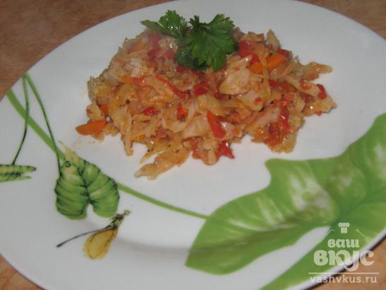 Капуста тушёная с болгарским перцем и помидорами