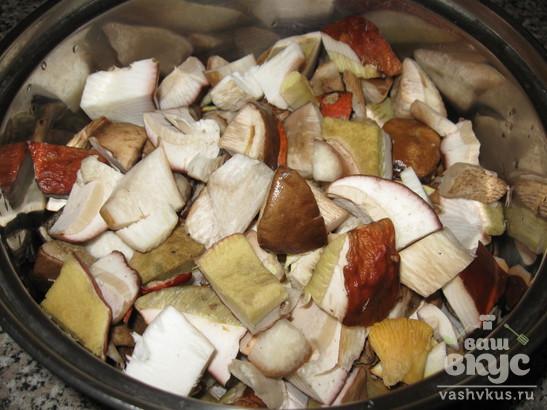 Солянка грибная с помидорами на зиму