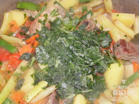 Овощное рагу со свиными ребрышками