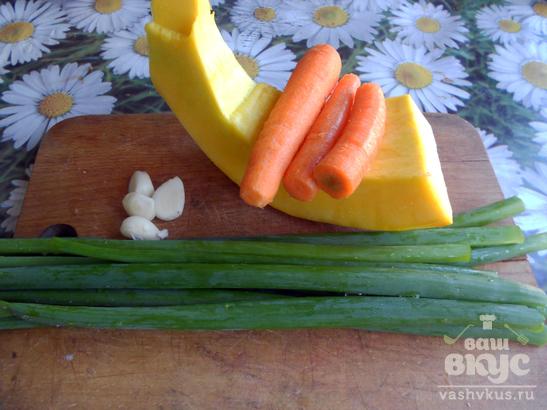Тыква с морковью и зеленым луком