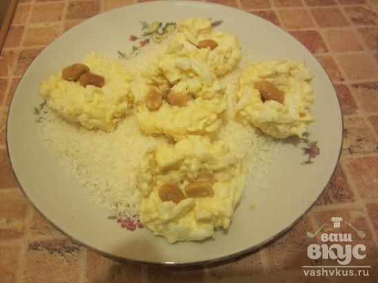 Рафаэлло с плавленым сыром и яйцом