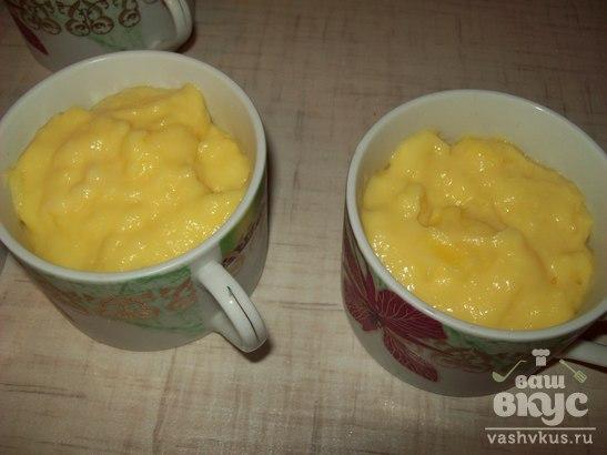 Молочный десерт с ягодным желе