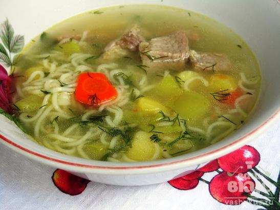 Суп с лапшой и свининой