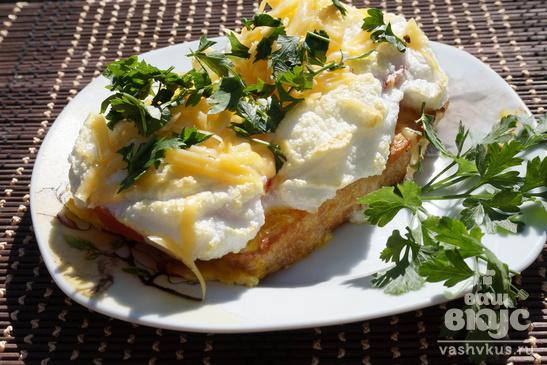 Гренки с яйцом в духовке
