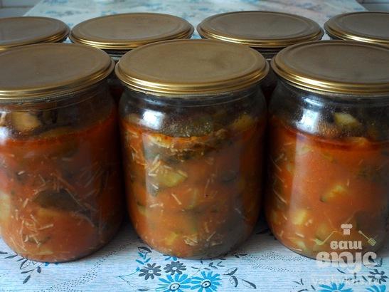 Огурцы в томатной заливке с чесноком на зиму