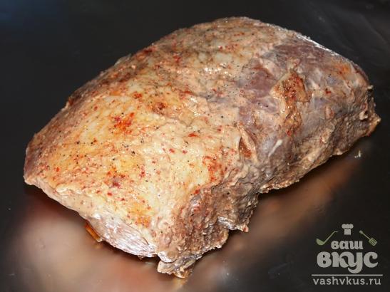 Свинина запеченная в майонезе с паприкой, чесноком и черным перцем