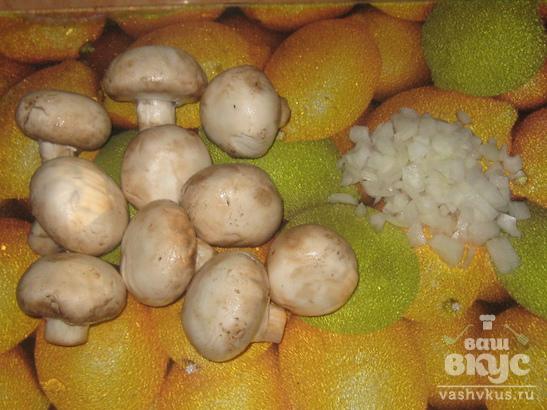 Кабачок фаршированный грибами под сыром