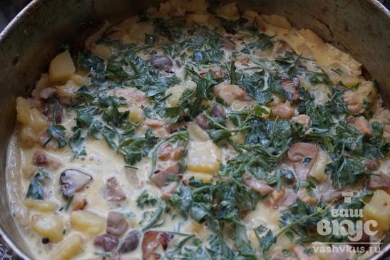 Пирог с картошкой, грибами и мясом