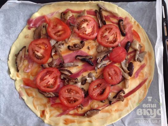 "Пицца ""Два гриба, три сыра"" на слоеном тесте"