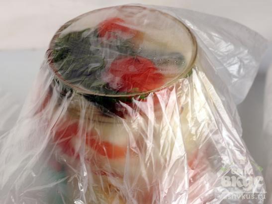 Салат из кабачков и помидоров с уксусом на зиму