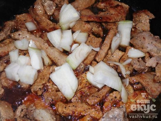 Бефстроганов из свинины со сметаной