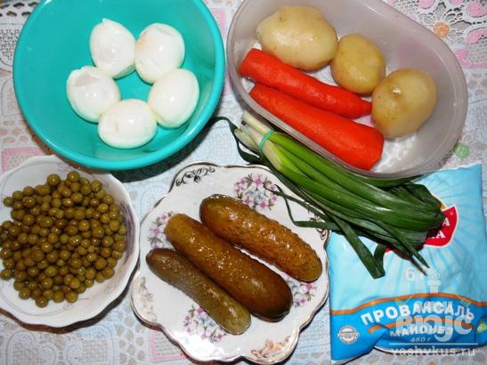 """Салат """"Оливье"""" с зеленым луком"""