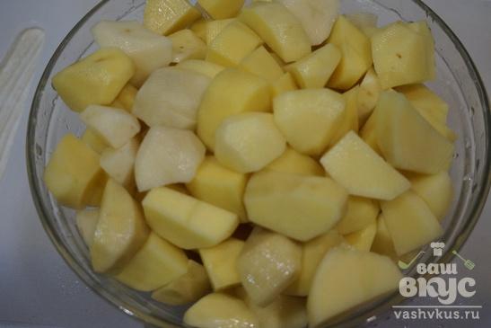 Мясо с картофелем в горшочках