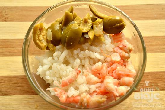 Помидоры, запеченные с оливками и креветками