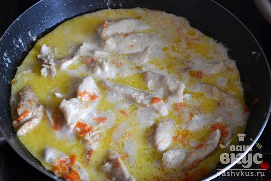 Цветная капуста с курицей в соусе