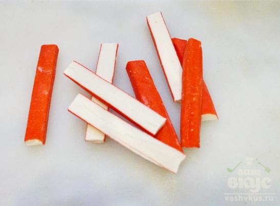Крабовые палочки жареные с беконом