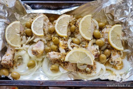 Куриные ножки с лимоном  и оливками