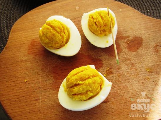 Фаршированные яйца на Хеллоуин