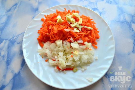 Рисовый суп с капустой и куриными крылышками