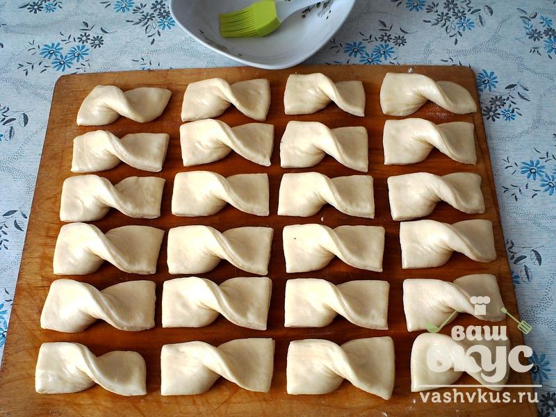 Сладкая выпечка из готового слоеного теста рецепты пошагово
