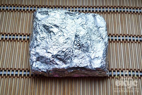Мясо запеченное в фольге кусочками