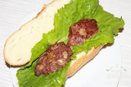 Гамбургер с говяжьей котлетой