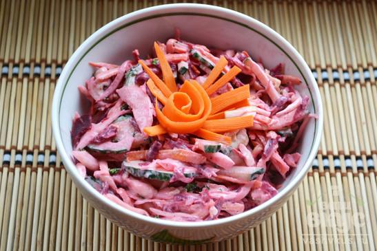 """Салат с курицей, морковью и свеклой """"Козий огород"""""""