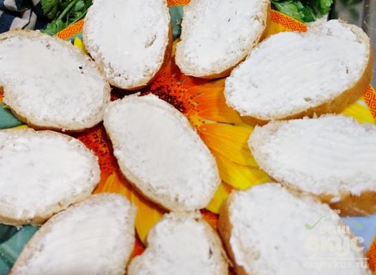 Бутерброды с красной рыбой и сливочным сыром