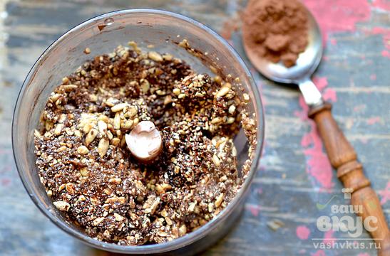 Шоколадный щербет из фиников с семечками