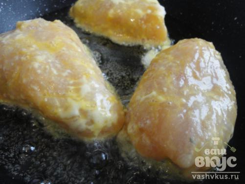 Куриное филе фаршированное перепелиными яйцами