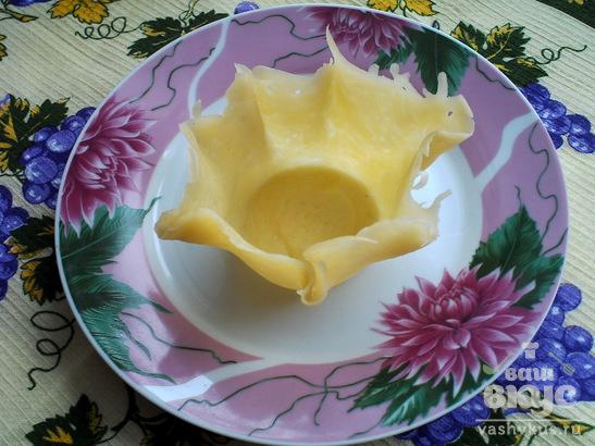 Сырная тарелочка для салата