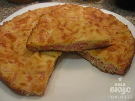 Заливной пирог с колбасой