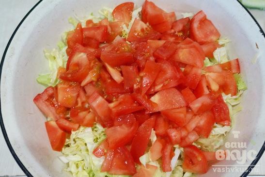 Салат с пекинской капустой и куриным филе