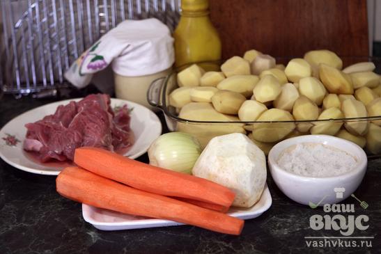 Тушеный картофель со свининой