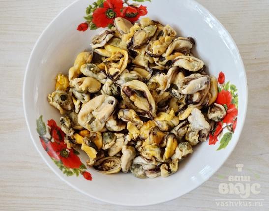 Шампиньоны фаршированные морепродуктами