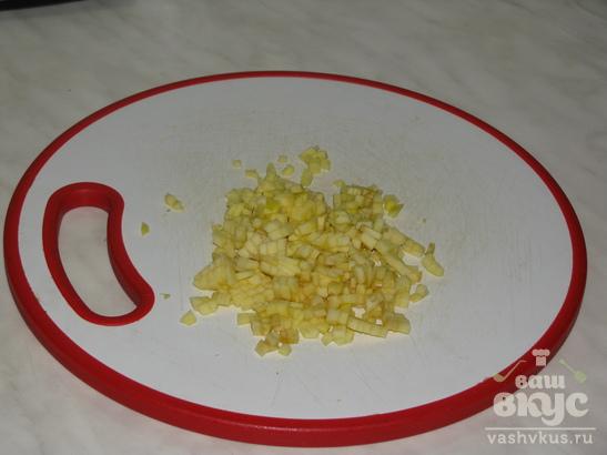 """Салат с сельдью и яблоком """"Пикантный"""""""