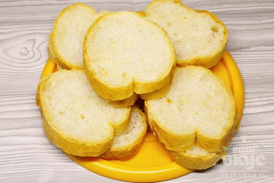 Острые бутерброды с брынзой