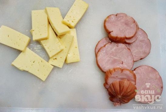 Куриный рулет с ветчиной и сыром