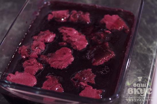 Мороженое из чёрной смородины