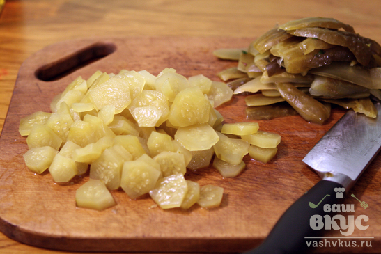 Салат с фасолью и свеклой