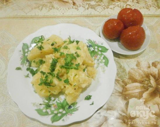 Картофель тушеный в сметане в мультиварке