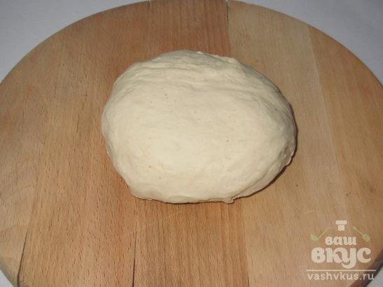 Жареные пирожки на кефире с индюшиным мясом