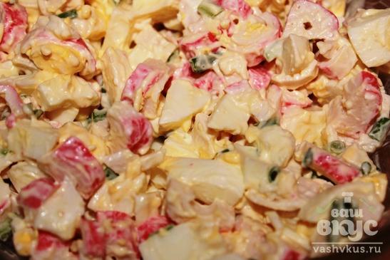 Салат из крабовых палочек и утиного мяса
