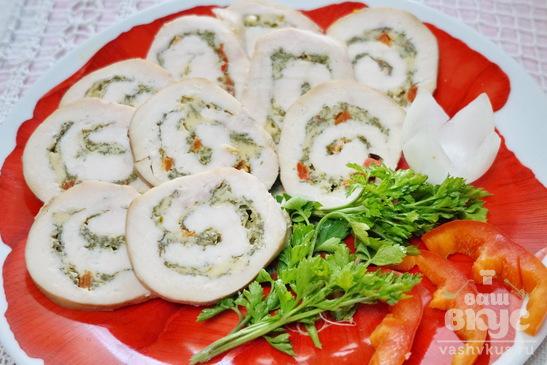 Куриные рулеты с зеленью и сыром в духовке