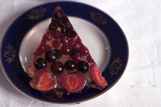 Торт - желе с ягодами