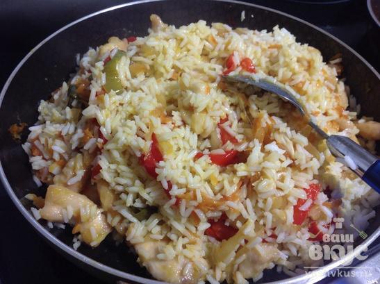 Рис с курицей в кисло-сладком имбирном соусе