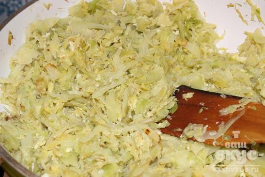 Штрудель с капустой и яйцом