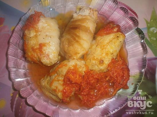 Голубцы из пекинской капусты в томатном соусе