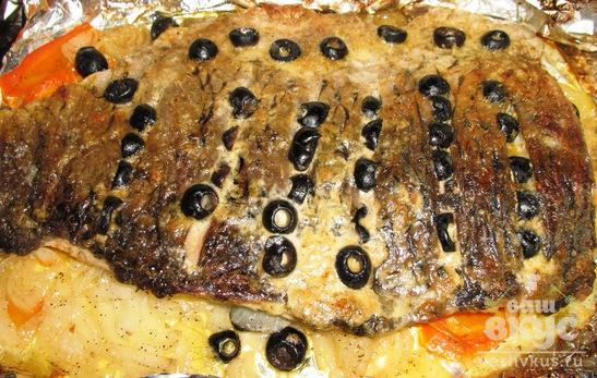 Рыба, запеченная с маслинами
