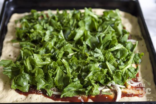 Пицца с молодой морковью и творогом